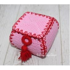 Шкатулка закругленная квадратная с крышкой розовая