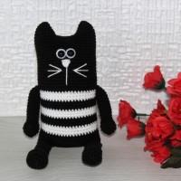 Черный Длинный Кот в полоску