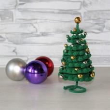 Новогодняя Елочка с бусинами в виде золотых и серебряных шаров