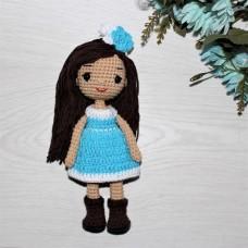 Куколка Незабудка в голубом платье вязаная крючком