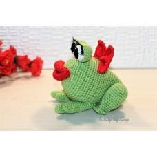 Лягушка из хлопковой пряжи