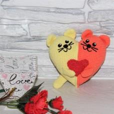 Валентинка Котики из двухцветного сердца оранжево-желтая