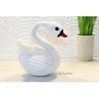 Свадебный Лебедь белый